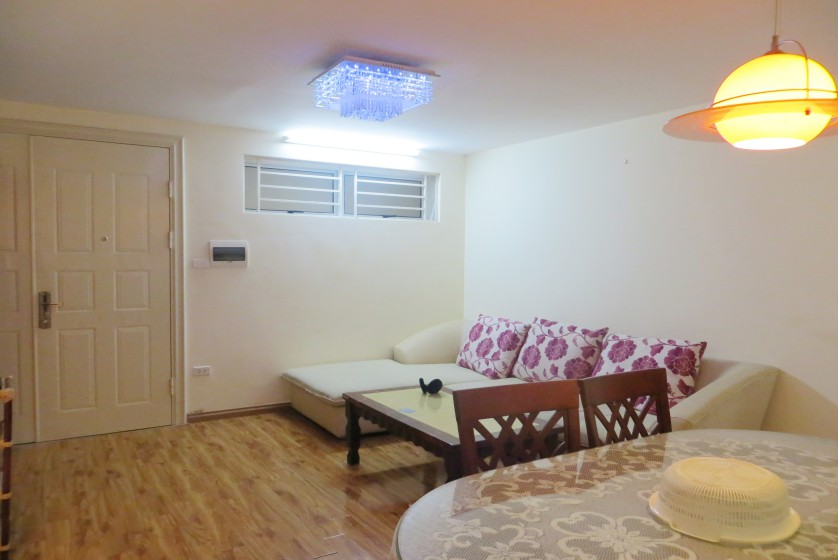 02 bedroom apartment for rent on Lac Long Quan, Tay Ho