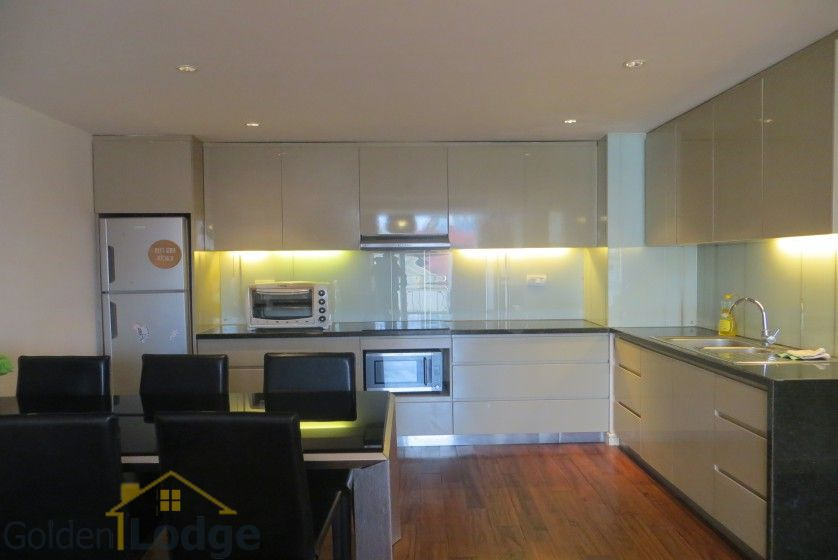 2 bedrooms 2 bathrooms apartment in Tay Ho for rent 5