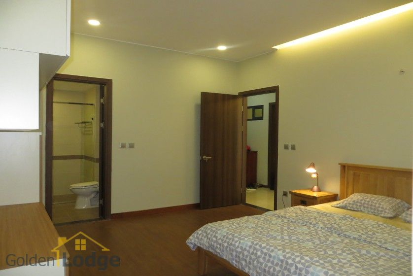 3 bedroom apartment for rent in Trang An Complex Cau Giay 11