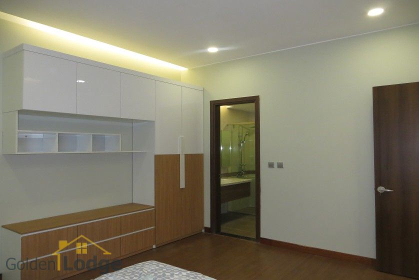 3 bedroom apartment for rent in Trang An Complex Cau Giay 12