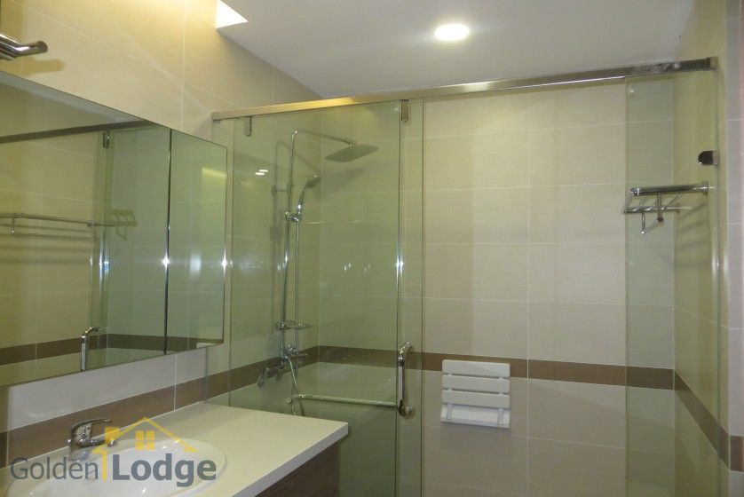 3 bedroom apartment for rent in Trang An Complex Cau Giay 13