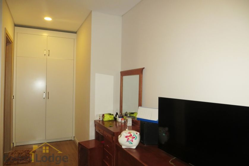 Apartment in Mipec Riverside for rent with 2 bedrooms, river view 8