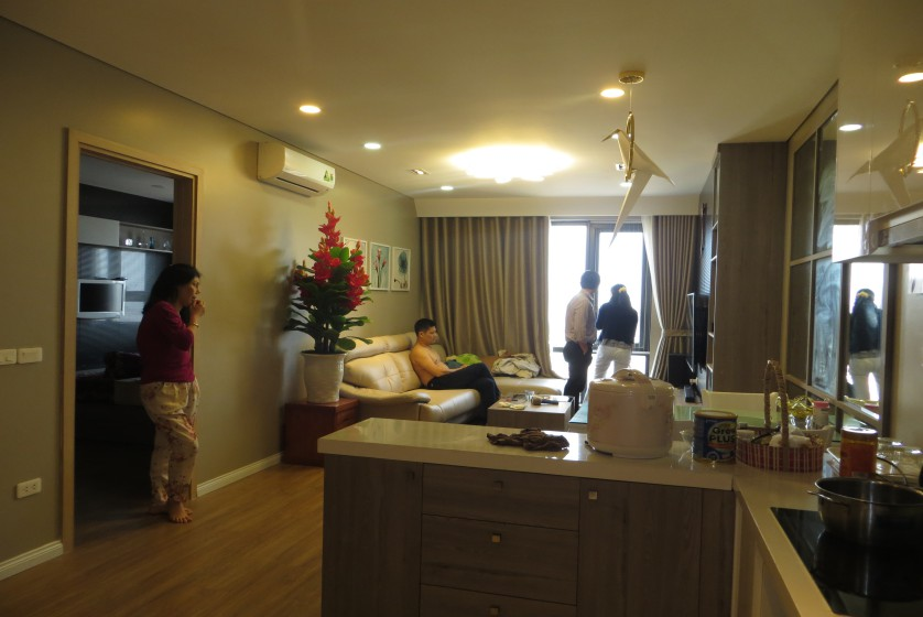 Apartment in Mipec Riverside to rent, 2 beds with lake view