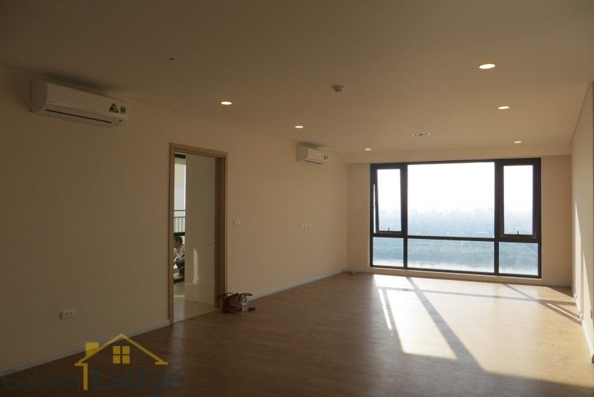 Brand new 3 bedroom apartment in Mipec Riverside Red river view 4