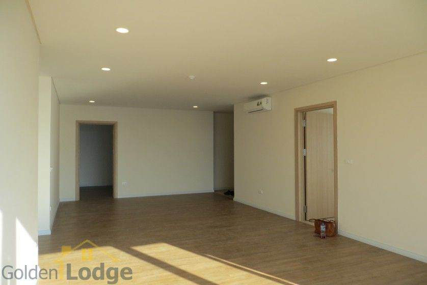 Brand new 3 bedroom apartment in Mipec Riverside Red river view 5