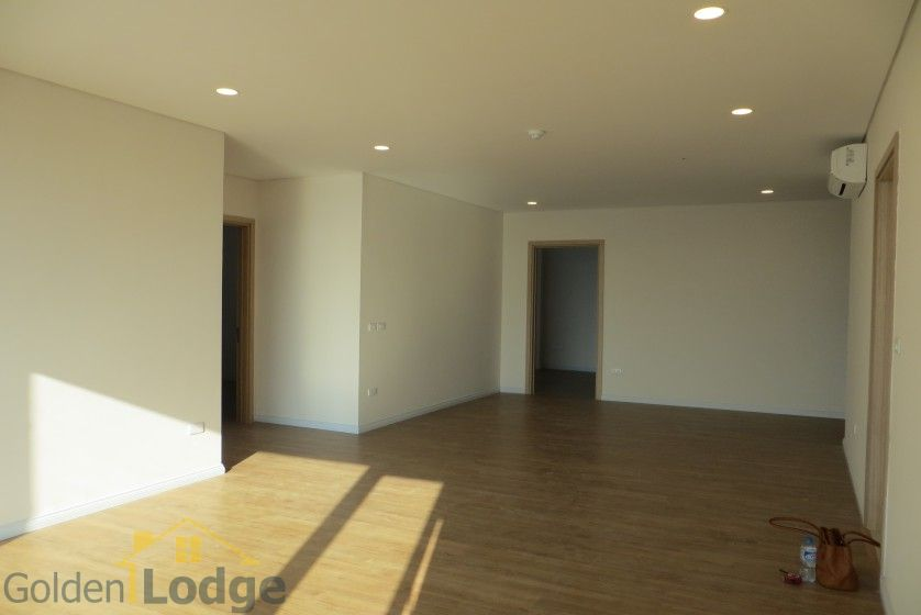 Brand new 3 bedroom apartment in Mipec Riverside Red river view 6