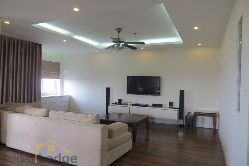 Four bedroom duplex apartment to lease in Tay Ho Hanoi 1