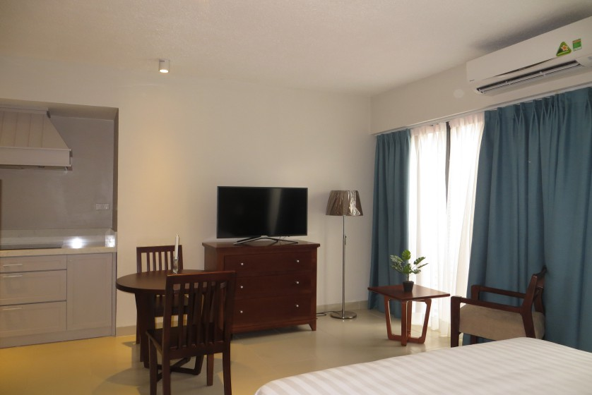 Fully furnished studio apartment on Dang Thai Mai street, Tay Ho