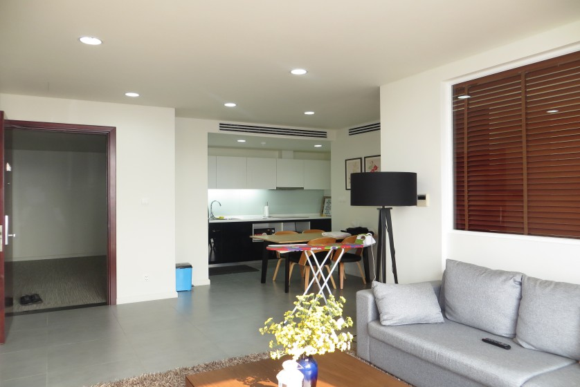 Furnished 01 bedroom apartment in Watermark Hanoi rent with natural light