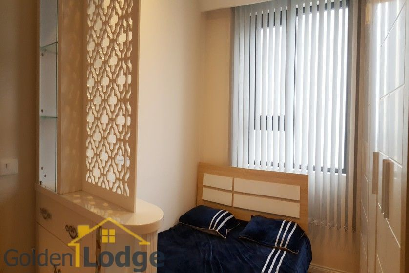 Furnished apartment in Mipec Riverside 02 bedrooms 82m2 to rent 12