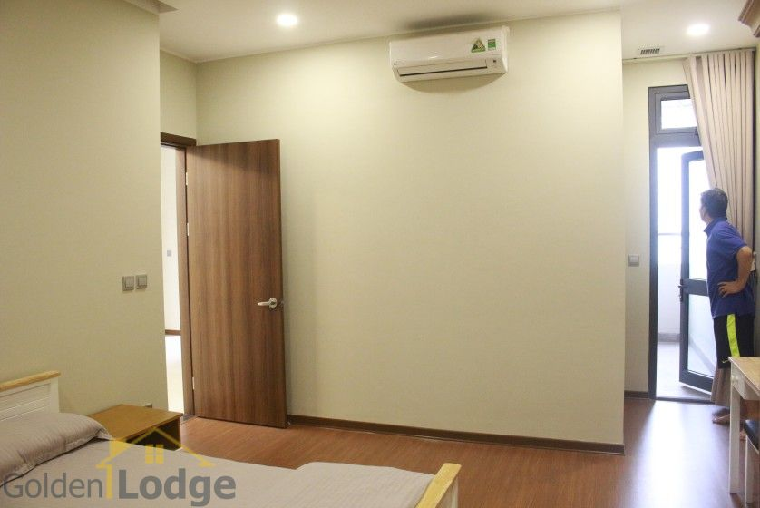 Furnished apartment to rent in Trang An Complex 95m2 balcony 14