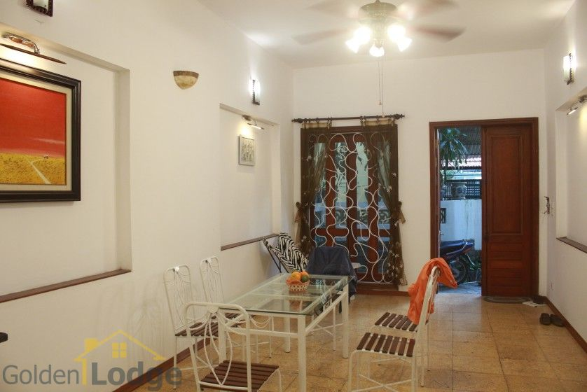 Furnished house in Nghi Tam Tay Ho for rent with garden 8