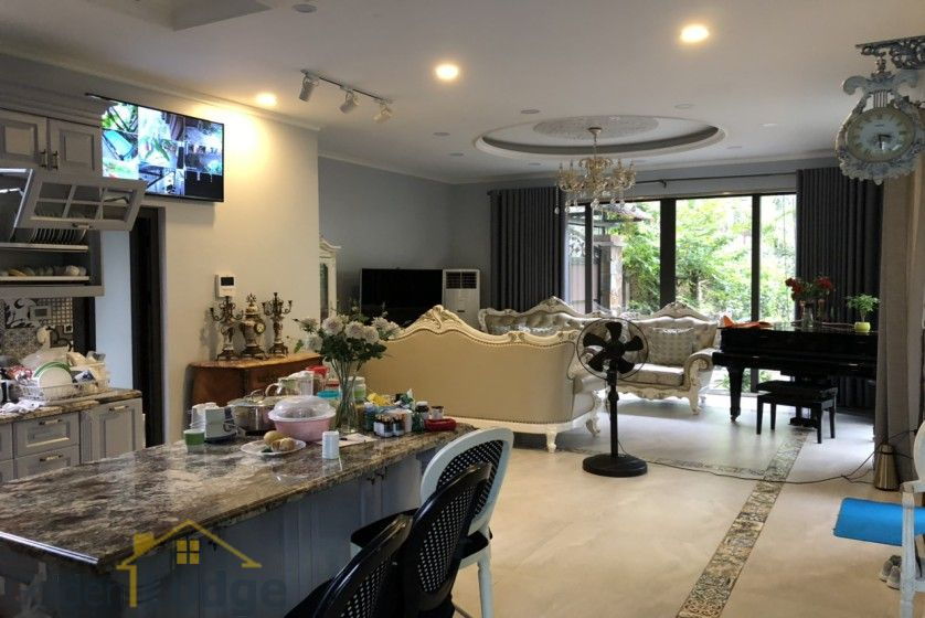Furnished and swimming pool Tay Ho villa for rent 4 bedrooms 4