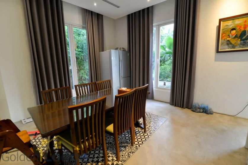Garden 4 bedroom villa for rent in Vinhomes Riverside Hanoi 9