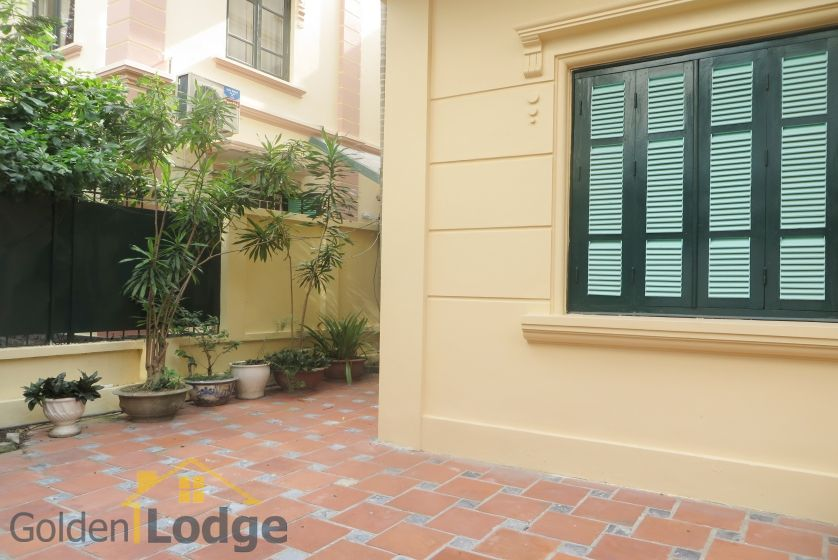 House in Tay Ho rental with 4 bedrooms, partly furnished 1