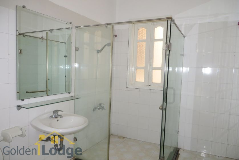 House in Tay Ho rental with 4 bedrooms, partly furnished 14