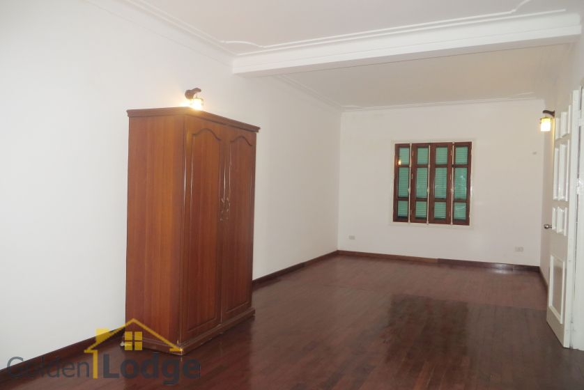 House in Tay Ho rental with 4 bedrooms, partly furnished 15