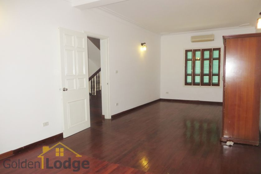 House in Tay Ho rental with 4 bedrooms, partly furnished 16