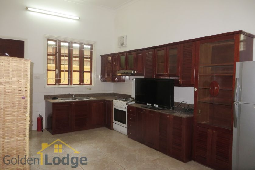 House in Tay Ho rental with 4 bedrooms, partly furnished 5