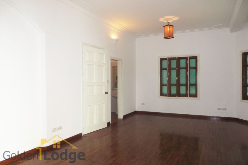 House in Tay Ho rental with 4 bedrooms, partly furnished 8
