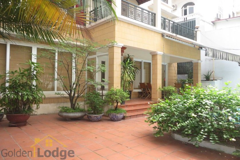 House in Xuan Dieu Tay Ho, Hanoi to lease with swimming pool 2