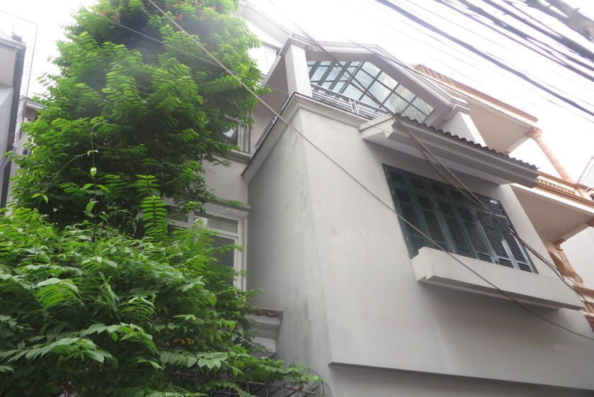House to lease in Tay Ho 6 bedrooms near Water Park