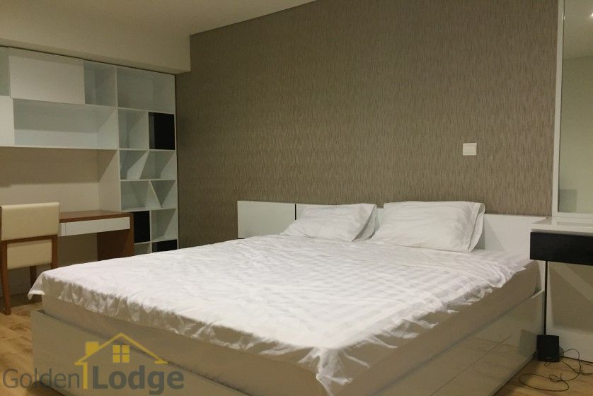 Lakeview apartment in Watermark Hanoi with 2 beds, 2 baths 9