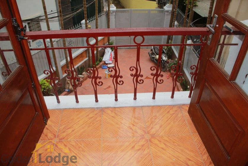 Large yard house to rent in Tay Ho Westlake 4 bedrooms 12