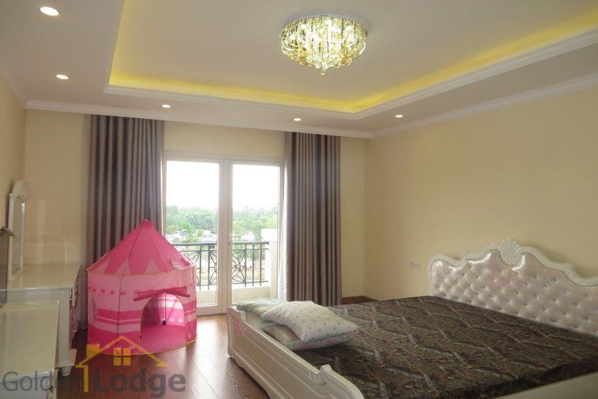 Luxury furniture Vinhomes Riverside villa rental furnished 4 beds 19