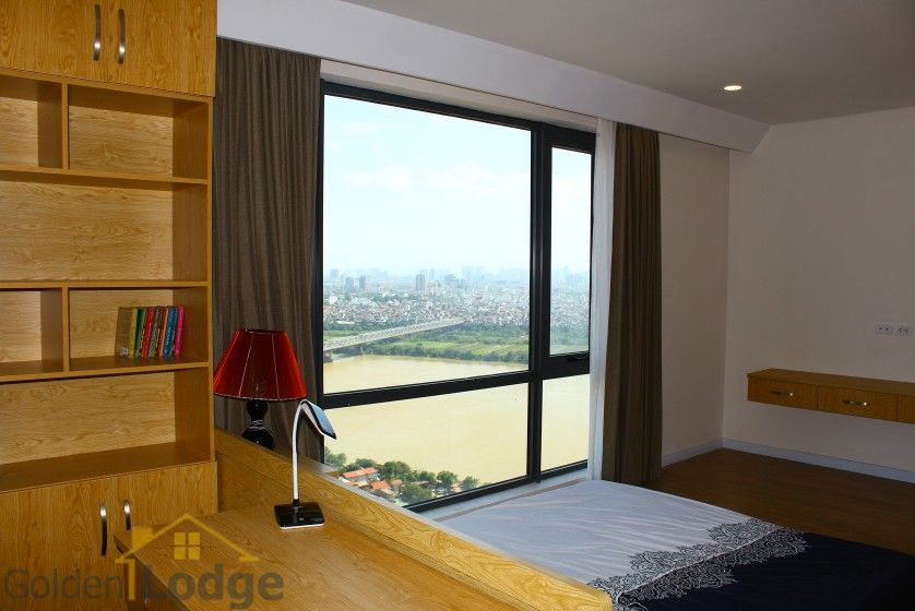 Mipec Riverside 03 bedroom apartment to rent with furnished nice view 10