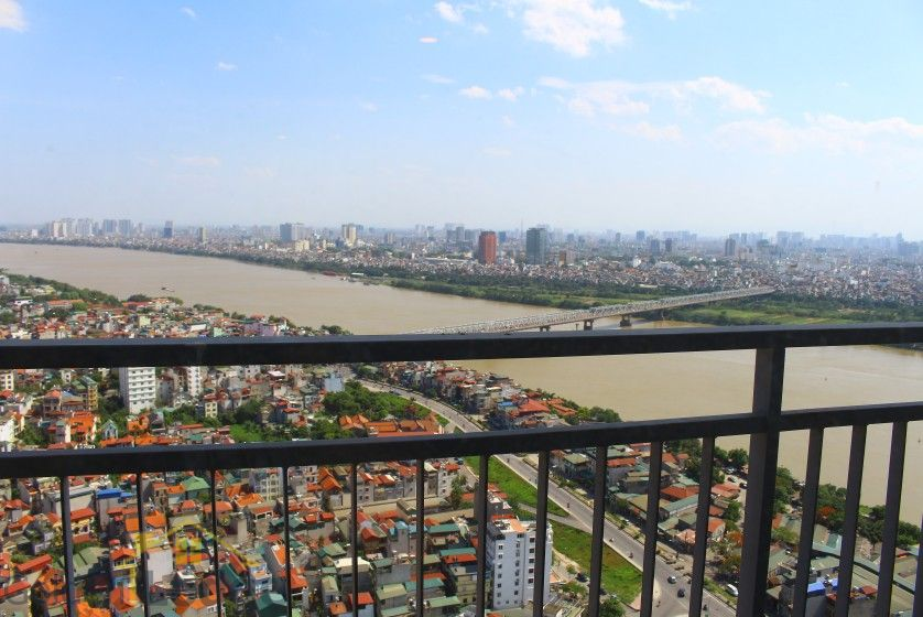 Mipec Riverside 03 bedroom apartment to rent with furnished nice view 7