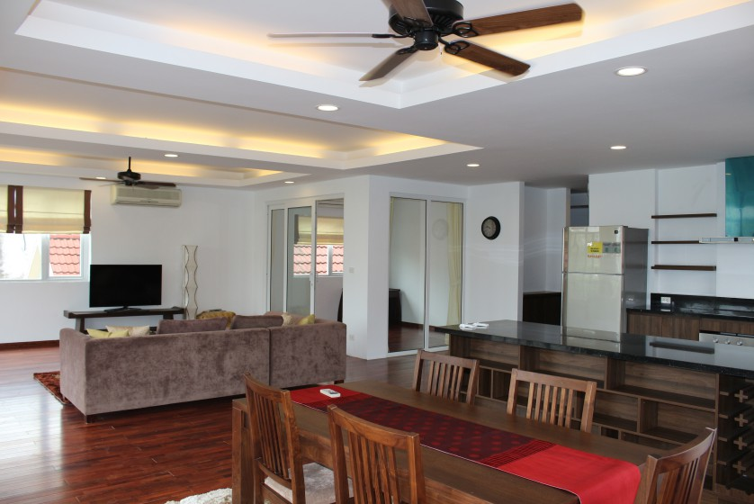 New furnished 04 bedroom apartment in To Ngoc Van Tay Ho