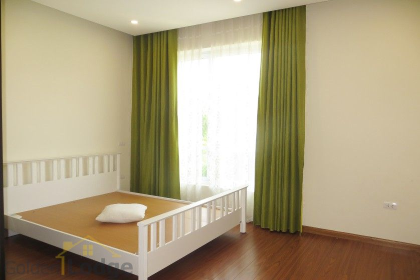 Rent Vinhomes Riverside villa at Hoa Phuong near BIS 11