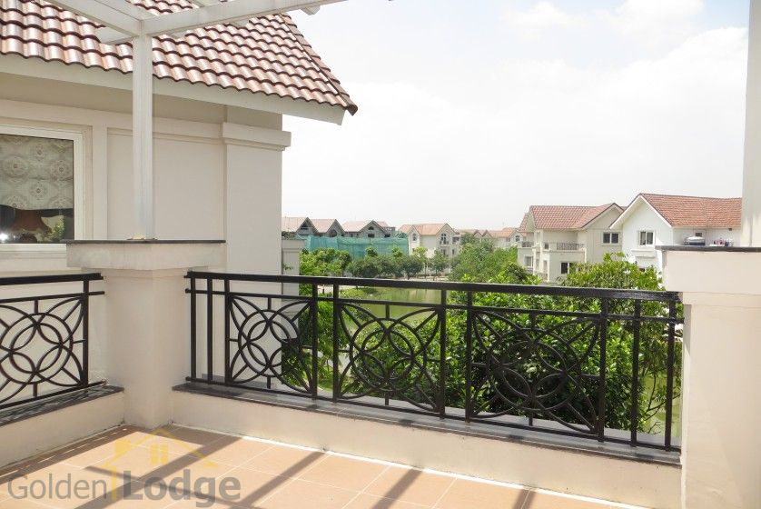 Rent Vinhomes Riverside villa at Hoa Phuong near BIS 15