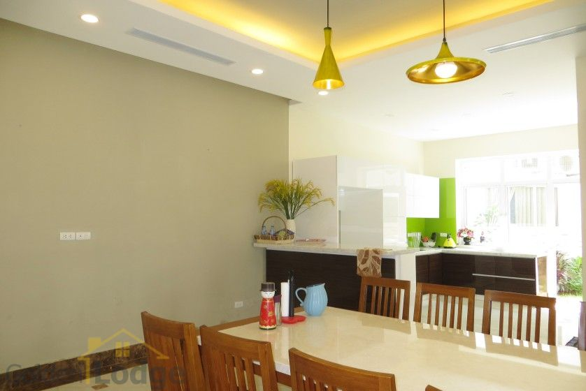Rent Vinhomes Riverside villa at Hoa Phuong near BIS 3