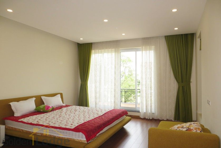 Rent Vinhomes Riverside villa at Hoa Phuong near BIS 7