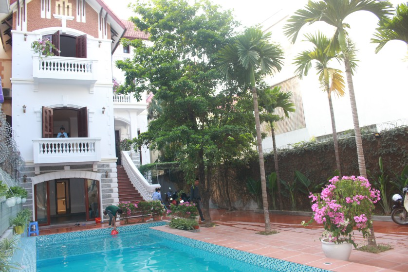 Swimming pool house in To Ngoc Van street, Tay Ho for rent