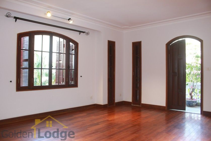 Swimming pool house in To Ngoc Van street, Tay Ho for rent 14