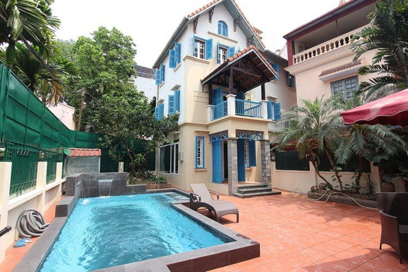Swimming pool house in To Ngoc Van street, Tay Ho Westlake