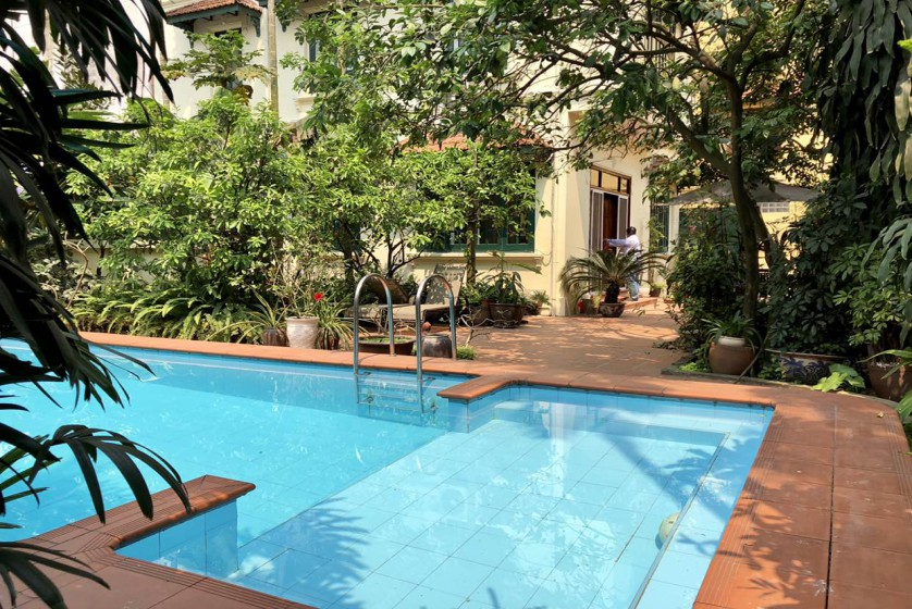 Swimming pool villa in Tay Ho, Hanoi for rent, five bedrooms