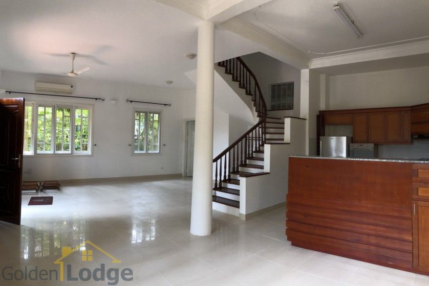 Swimming pool villa in Tay Ho, Hanoi for rent, five bedrooms 5