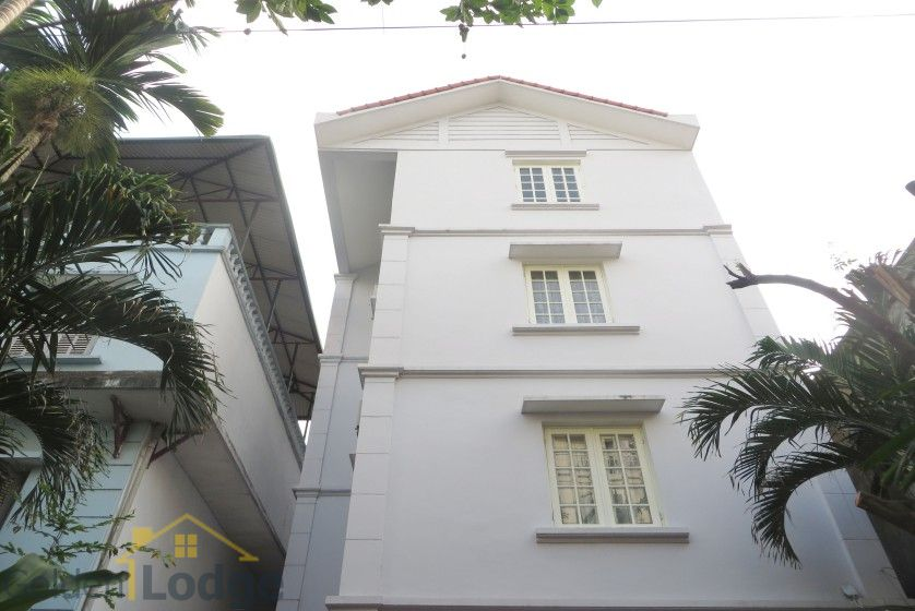 Large yard Tay Ho house rental with four bedrooms fully furnished 1