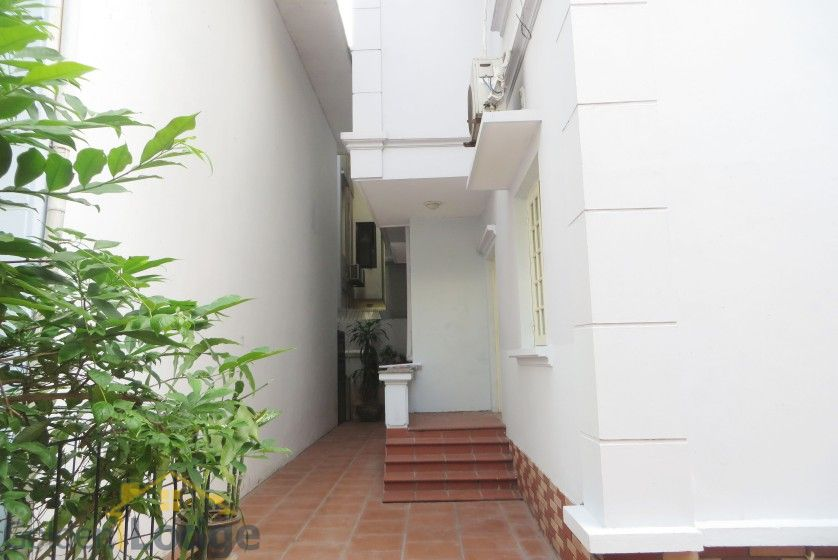 Large yard Tay Ho house rental with four bedrooms fully furnished 3