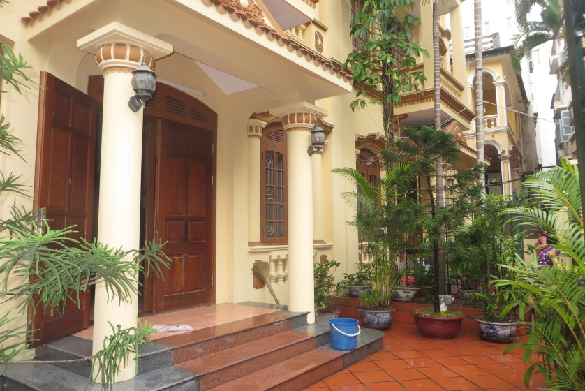 Tay Ho house rental with furnished composed 4 beds garden
