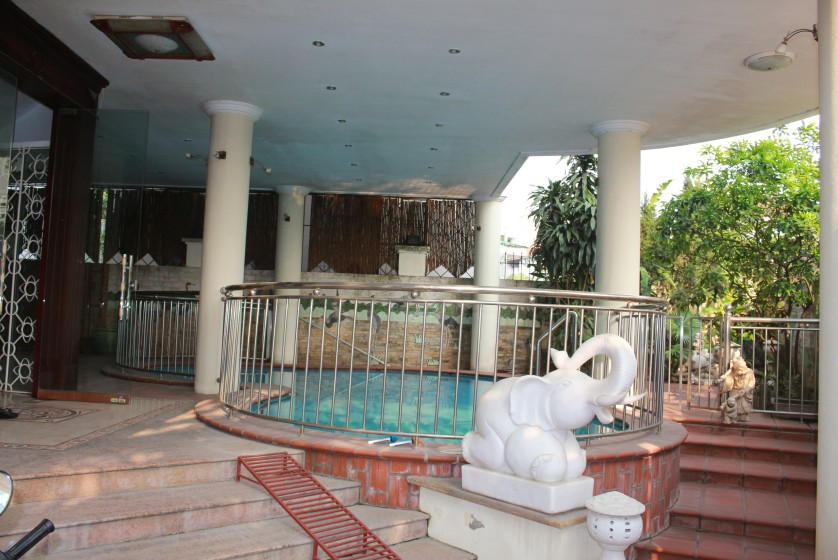 Terraced house in Tay Ho district for rent with swimming pool