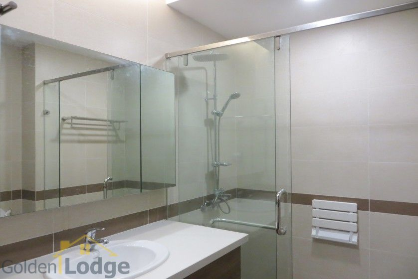 Trang An Complex apartment with 2 bedrooms and 1 small room 11