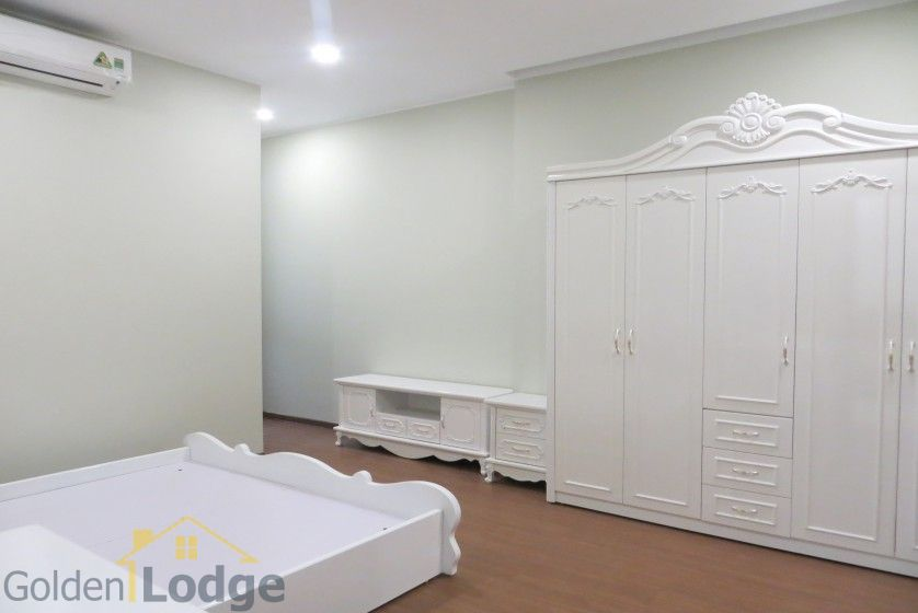 Trang An Complex apartment with 2 bedrooms and 1 small room 8