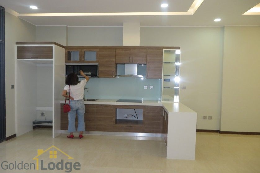 Unfurnished apartment in Trang An Complex Cau Giay, 3 beds 3