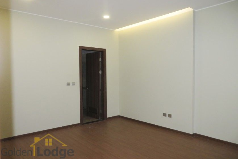 Unfurnished apartment in Trang An Complex Cau Giay, 3 beds 8