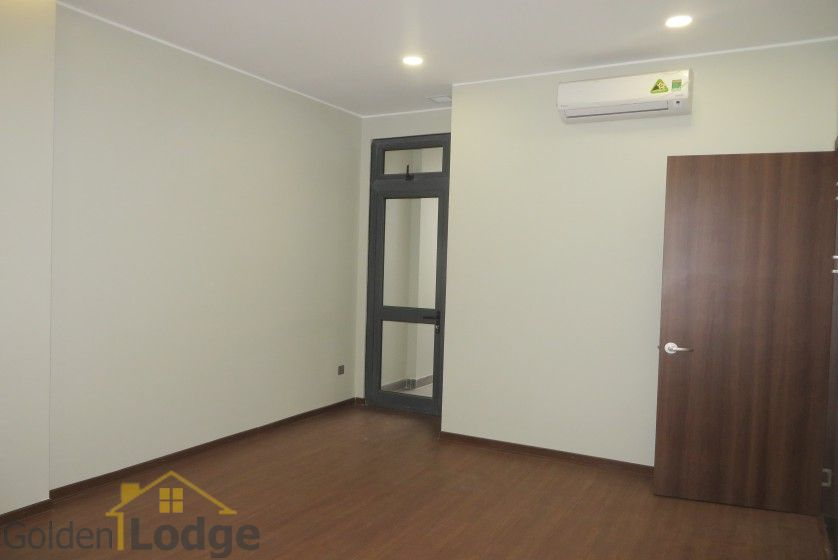 Unfurnished apartment in Trang An Complex Cau Giay, 3 beds 9